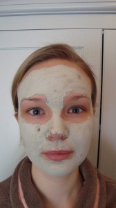 Tijdens Foto na 10 minuten 168x300 - Vier nieuwe maskers van The Body Shop