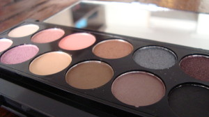 DSC04385 300x168 - Sleek I-Divine Oh So Special Palette