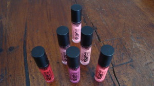 DSC04618 300x168 - Essence Stay with me Longlasting Lipgloss