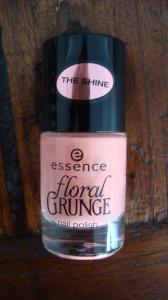 DSC05156 168x300 - Essence Floral Grunge Limited Edition lijn Nagellak + Quatro's