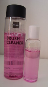 DSC06107 168x300 - HEMA Cosmetic Brush Cleaner Review