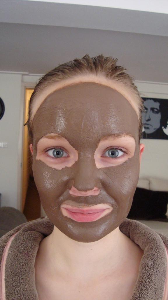 DSC06365 576x1024 - Hema Chocolade Masker Review