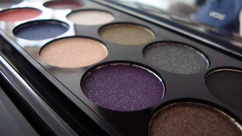 DSC06738 800x450 2 - Sleek i-Divine Showstoppers Palette LE Review