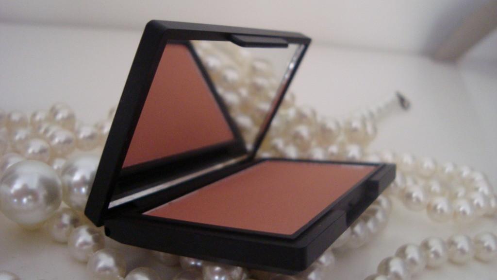 DSC08391 1024x576 - Sleek Blush Suede #921 Review