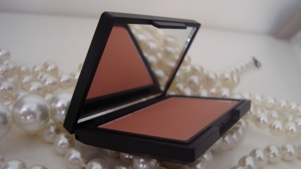 DSC083921 1024x576 - Sleek Blush Suede #921 Review