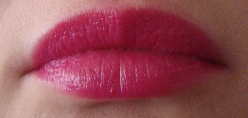 DSC08439 800x383 - Catrice Glamazona Lip Colour Pens Limited Edition Review