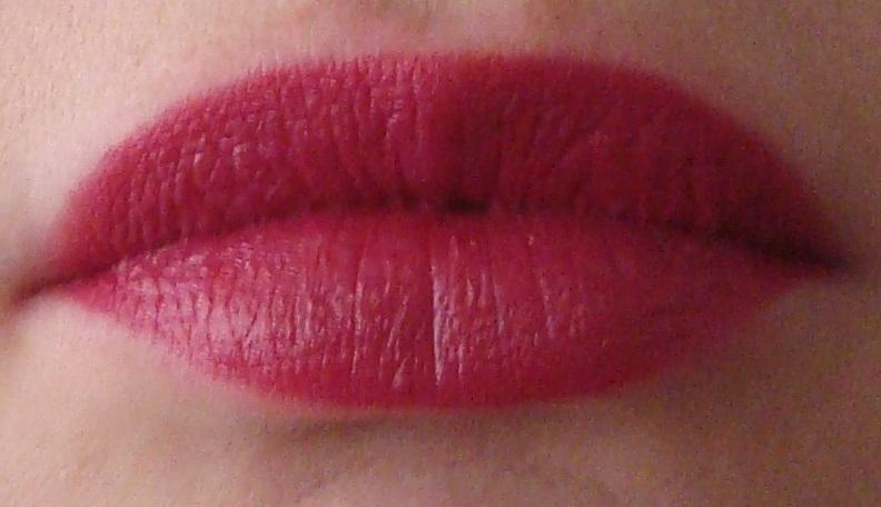 DSC08499 - Rimmel #016 Heart Breaker Lipstick Review