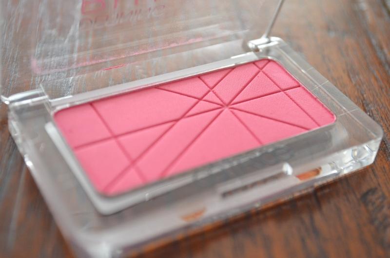 DSC 0027 800x530 - Catrice Defining Blush #070 Pinkerbell