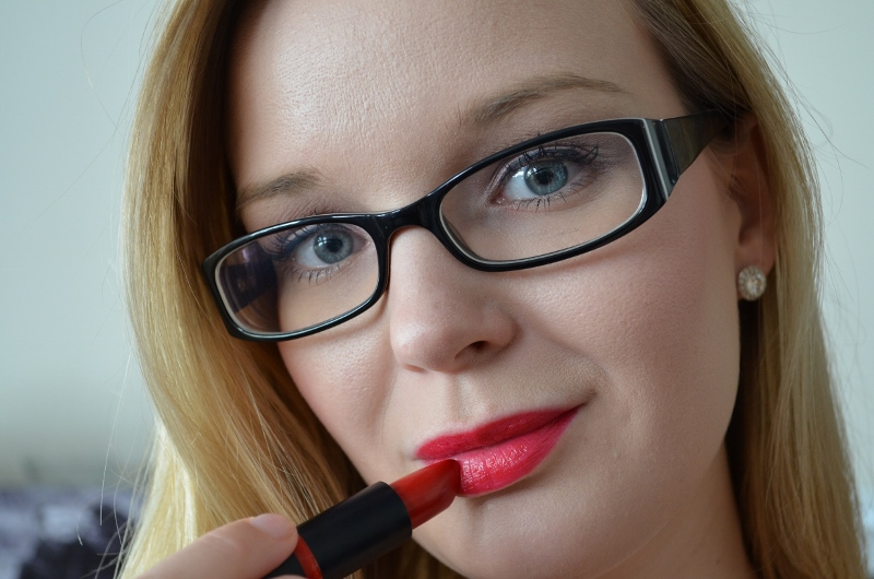 DSC 0260 800x530 - Essence Long Lasting Lipstick Review