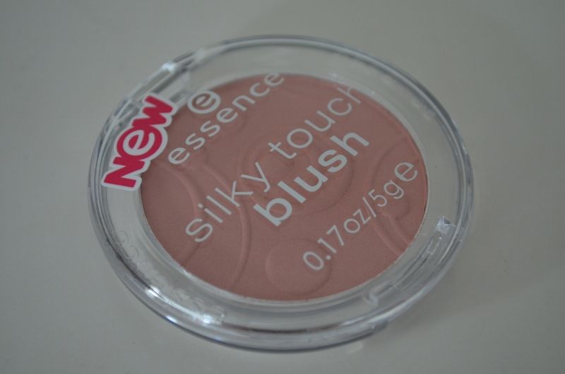 DSC 0197 800x530 - Essence Silky Touch Blush #50 Sweetheart Review