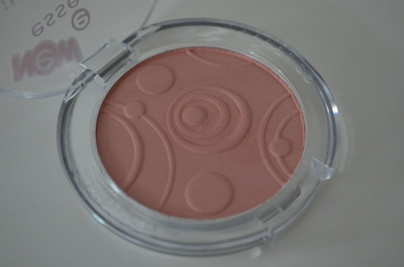 DSC 0198 800x530 - Essence Silky Touch Blush #50 Sweetheart Review