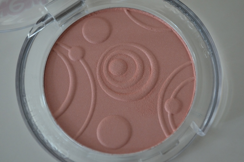 DSC 0205 800x530 - Essence Silky Touch Blush #50 Sweetheart Review
