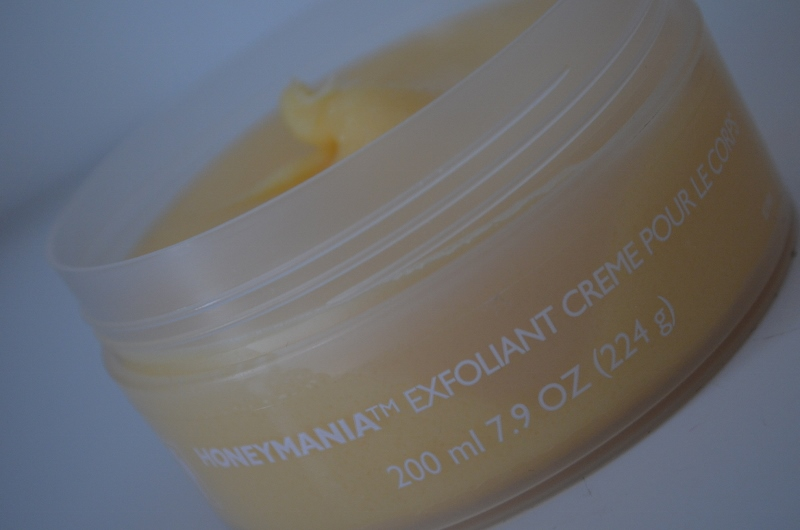 DSC 0222 800x530 - The Body Shop Honeymania Body Scrub & Body Butter Review