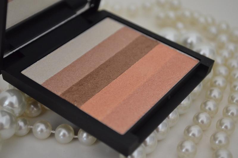 DSC 0235 800x530 - Sleek Glo Face & Body Highlighter Peach Shimmer Review