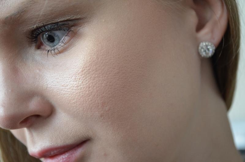 DSC 0324 800x530 - Sleek Glo Face & Body Highlighter Peach Shimmer Review