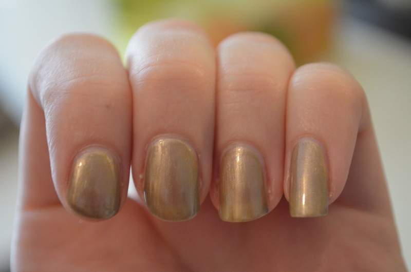 DSC 0405 800x530 - Catrice Thrilling Me Softly LE Nail Laquers Review