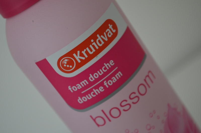 DSC 0702 800x530 - Kruidvat Douche Foam Blossom Review