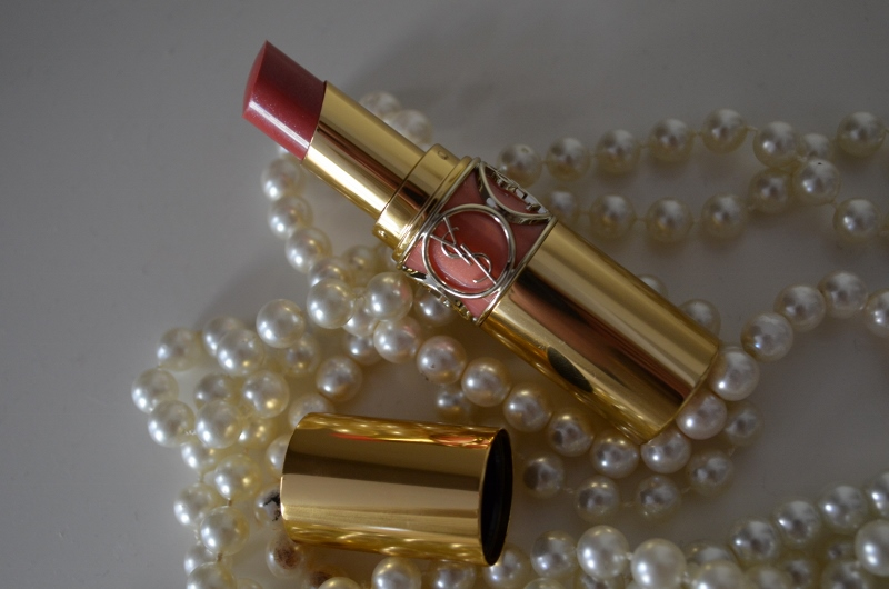 DSC 0217 800x530 - Yves Saint Laurent Rouge Volupté Shine 'Pink in Confidence'