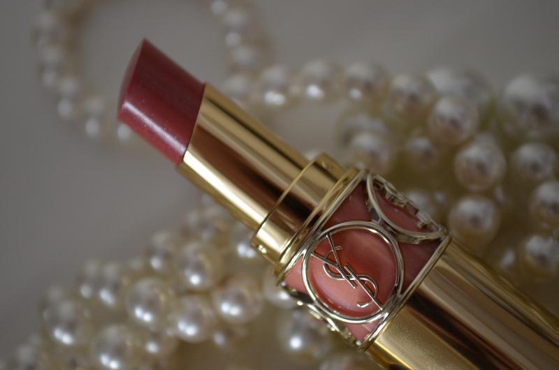 DSC 0220 800x530 - Yves Saint Laurent Rouge Volupté Shine 'Pink in Confidence'