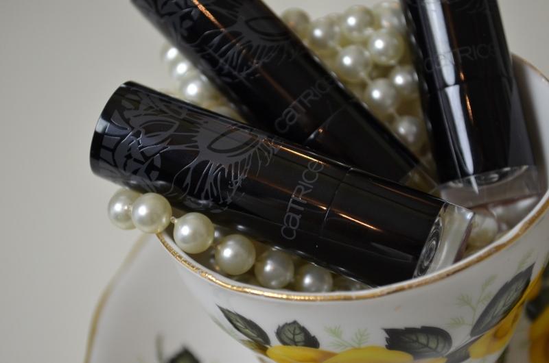 DSC 0259 800x530 - Catrice Feathers & Pearls Lippenstiften Review
