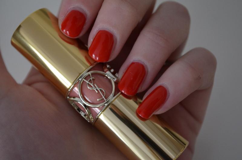 DSC 0293 800x530 - Yves Saint Laurent Rouge Volupté Shine 'Pink in Confidence'