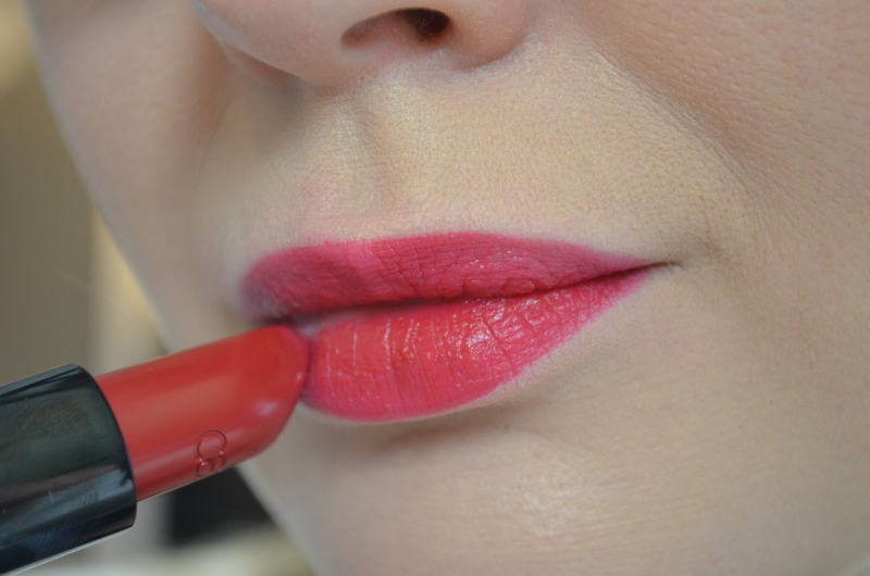 DSC 0348 800x530 - Catrice Feathers & Pearls Lippenstiften Review