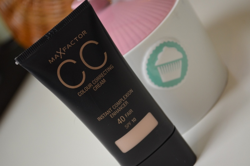 DSC 0231 800x530 - Max Factor CC Cream Review