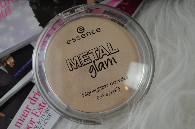 DSC 0253 800x530 - Essence Metal Glam Highlighter Review