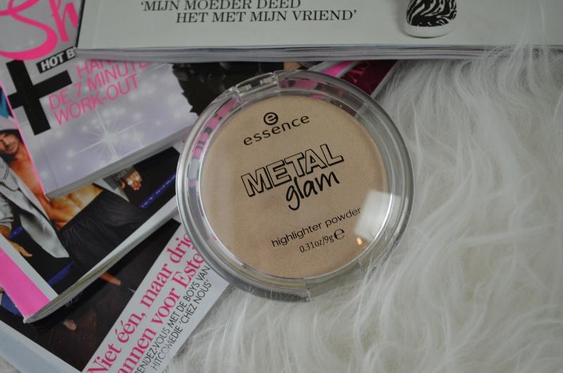 DSC 0255 800x530 - Essence Metal Glam Highlighter Review