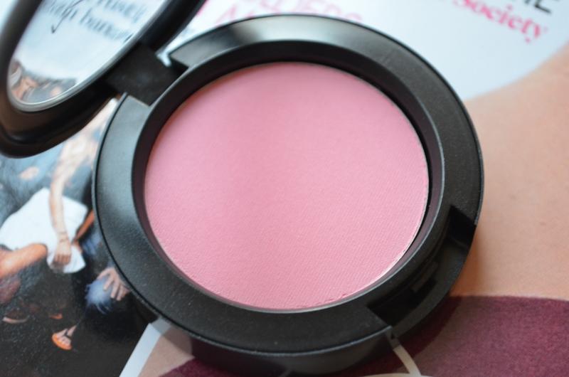 DSC 0270 800x530 - New In: M.A.C Stay Pretty Blush!