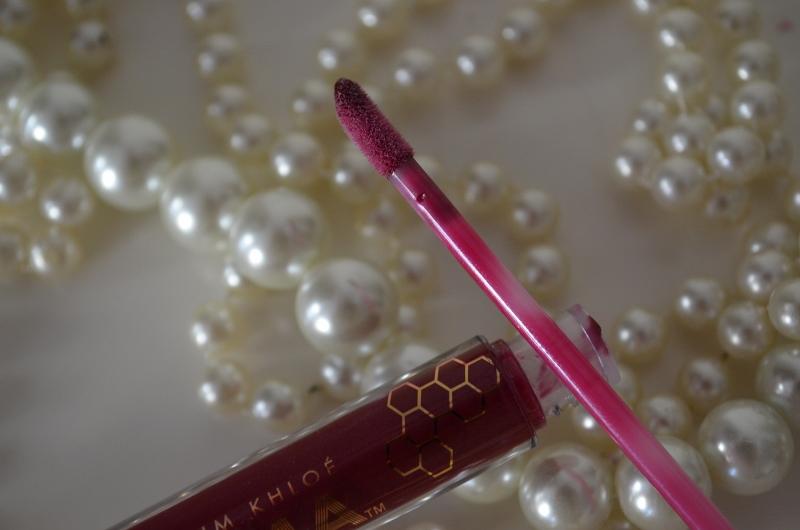 DSC 0324 800x530 - Khroma Beauty Honey Stick Lipgloss