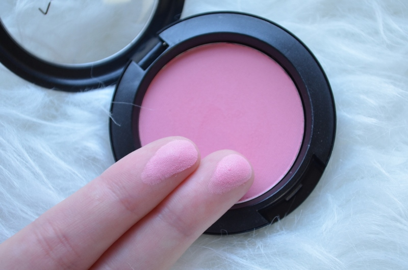 DSC 0333 800x530 - New In: M.A.C Stay Pretty Blush!