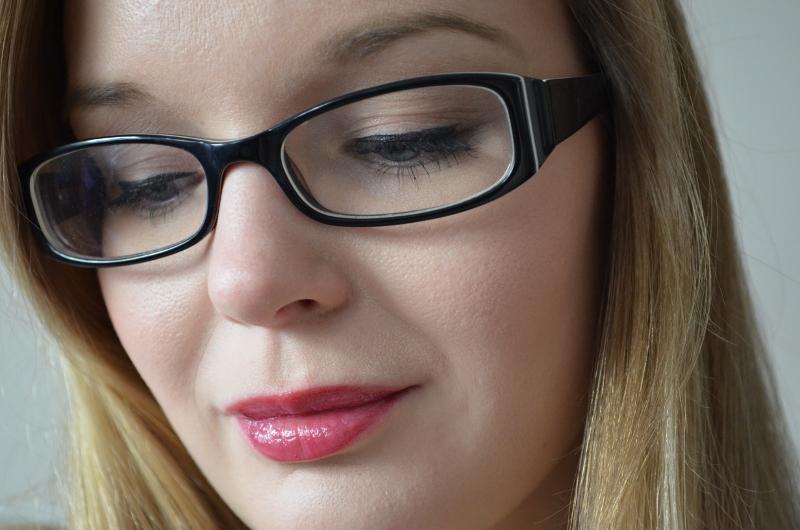 DSC 0370 800x530 - Khroma Beauty Honey Stick Lipgloss