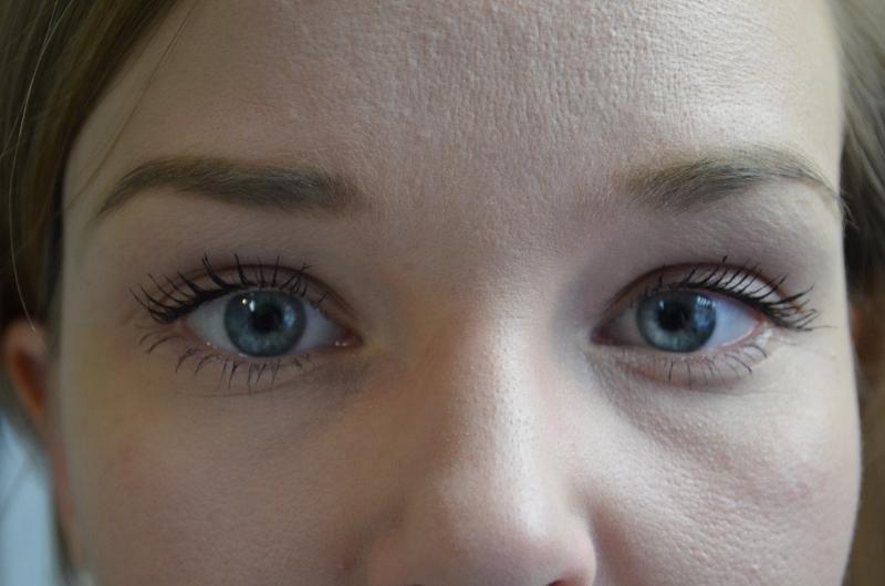 DSC 0392 800x530 - Rimmel Scandaleyes Retro Glam Mascara Review