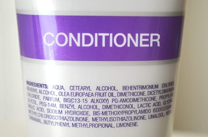 DSC 02002 - John Frieda Frizz Ease Smooth Start Shampoo & Conditioner