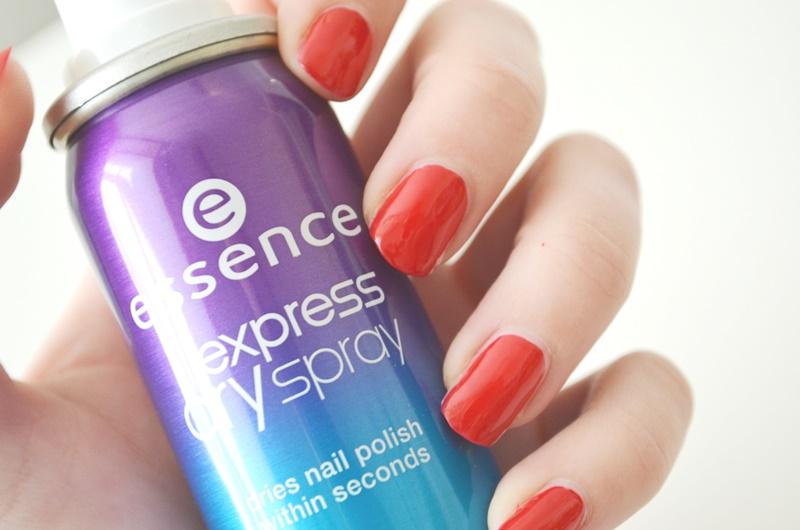 DSC 03012 - Essence Express Dry Spray Review