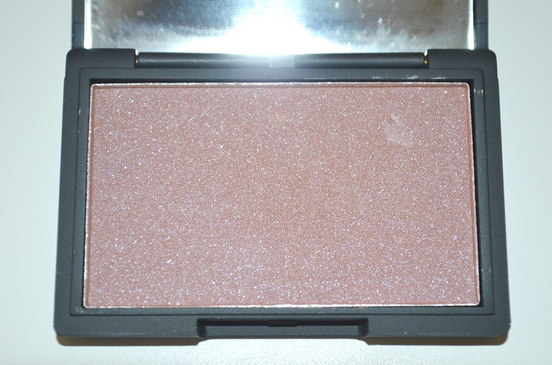 DSC 0279 - Sleek Antique Blush Review