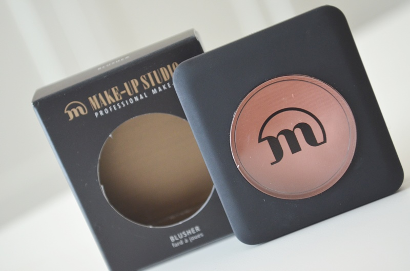 DSC 02991 - Make-up Studio Blusher in Box #7 (Peach) Review