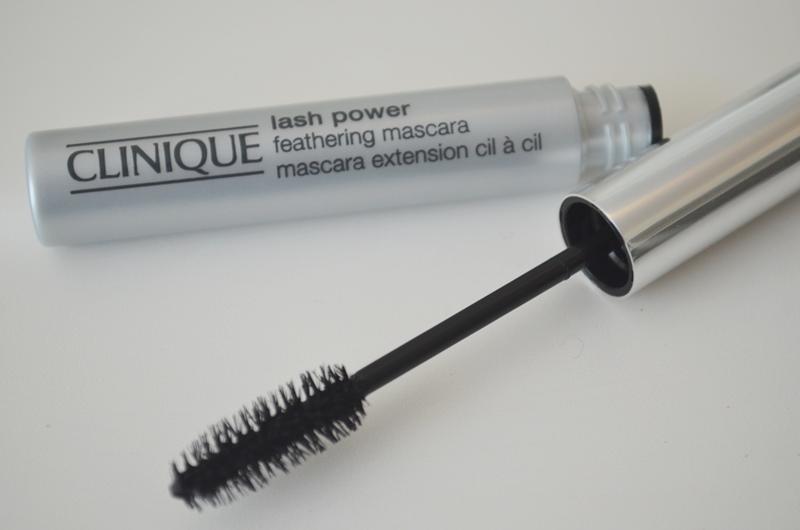 DSC 03201 - Clinique Lash Powder Feathering Mascara