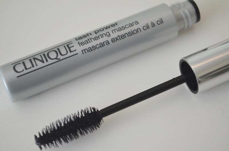 DSC 0322 - Clinique Lash Powder Feathering Mascara