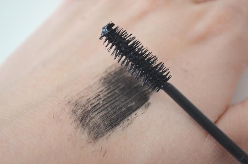 DSC 03251 - Clinique Lash Powder Feathering Mascara