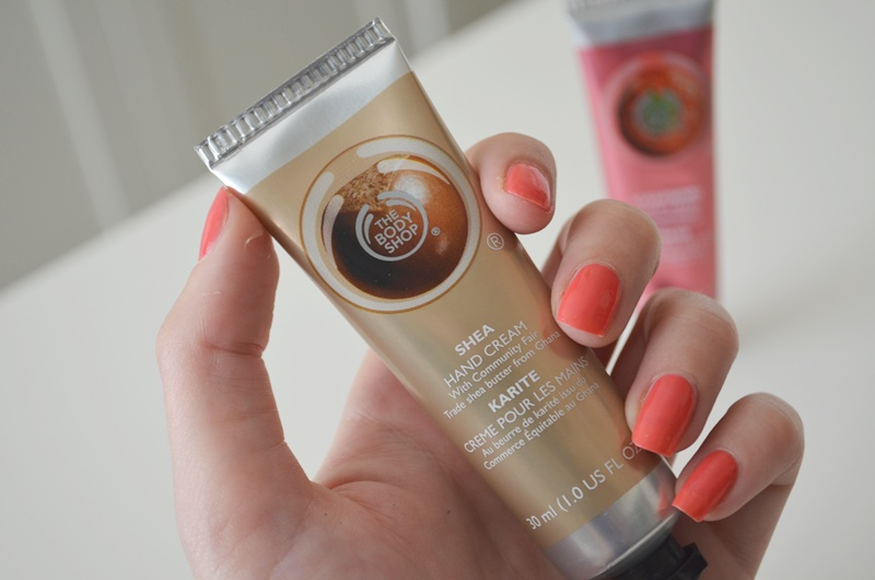 DSC 02121 - The Body Shop Hand Cream Shea & Strawberry Review