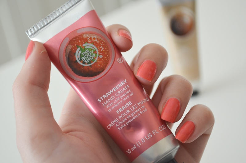 DSC 02292 - The Body Shop Hand Cream Shea & Strawberry Review