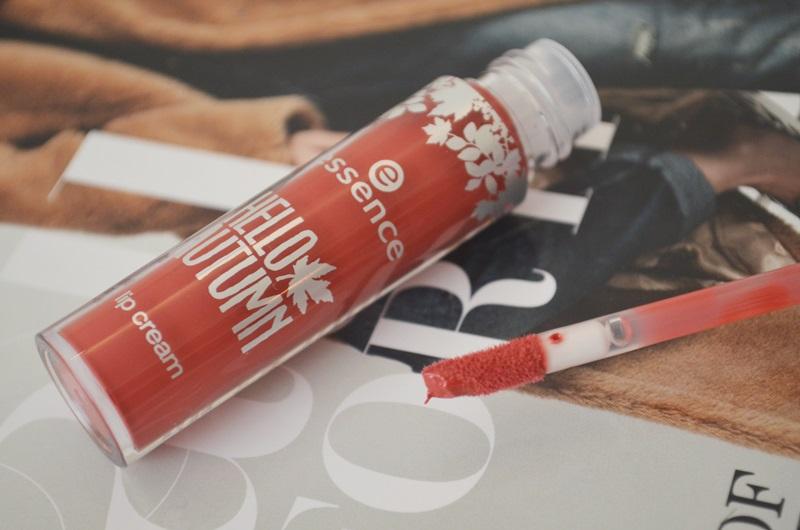 DSC 0431 - Essence Hello Autumn Colour Adapting Blush & Lip Cream
