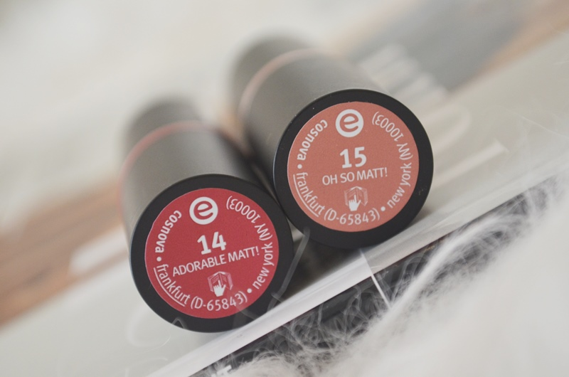 DSC 0327 - Nieuwe Essence Long Lasting Lipsticks Review