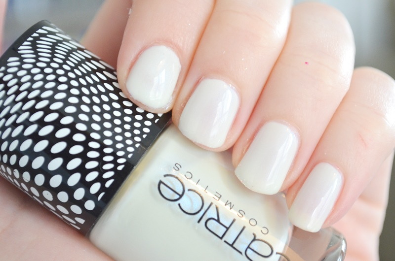 DSC 2854 - Catrice Doll's Collection Nail Lacquers Review