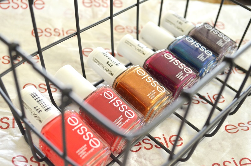 DSC 0414 - Winactie Essie Taking Center Stage Collectie! 2x