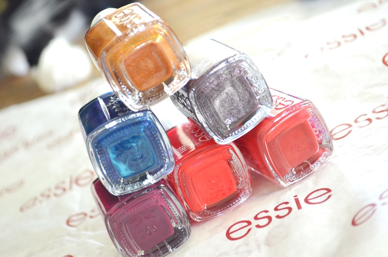 DSC 0433 - Winactie Essie Taking Center Stage Collectie! 2x