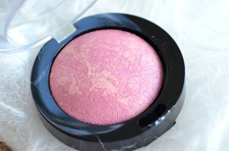 DSC 0627 - Max Factor Crème Puff Blush - Seductive Pink