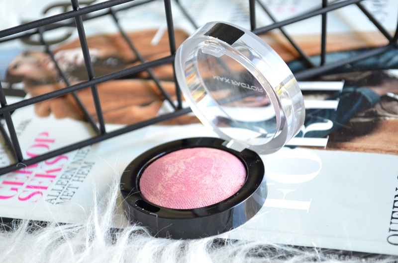 DSC 0637 - Max Factor Crème Puff Blush - Seductive Pink